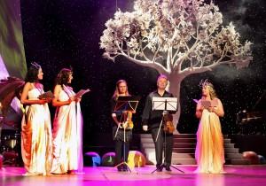 19. Talentované deti priletel z USA podporiť husľový virtuóz Jaroslav Svěcený so svojou dcérou